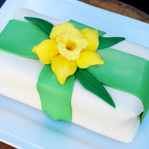 Daffodil cake-ltr